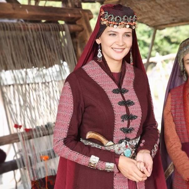 Роскошные девушки самого рейтингового проекта Турции - Эртугрула