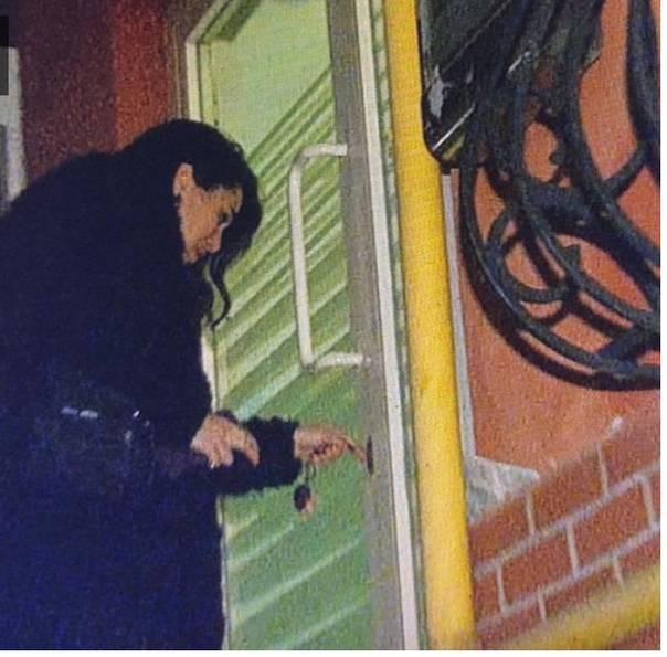 ✔️ Ханде Догандемир вчера вечером была замечена репортерами на выходе из одного ...